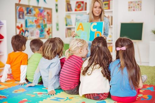 Comment faire une bonne recherche d'emploi en petite enfance ?